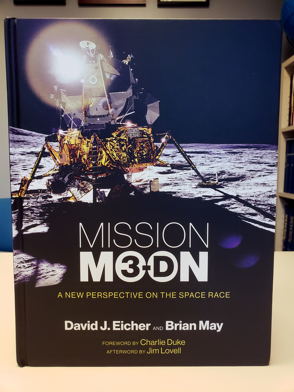 Mission Moon 3 D by David J  Eicher and Brian May arrives  Order now     The new and unique book MISSION MOON 3 D is hitting the shelves to warm the  hearts of space buffs