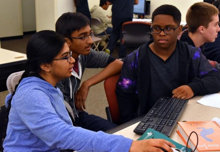 HS Battle Brains Prog 2015 Cont Students 20