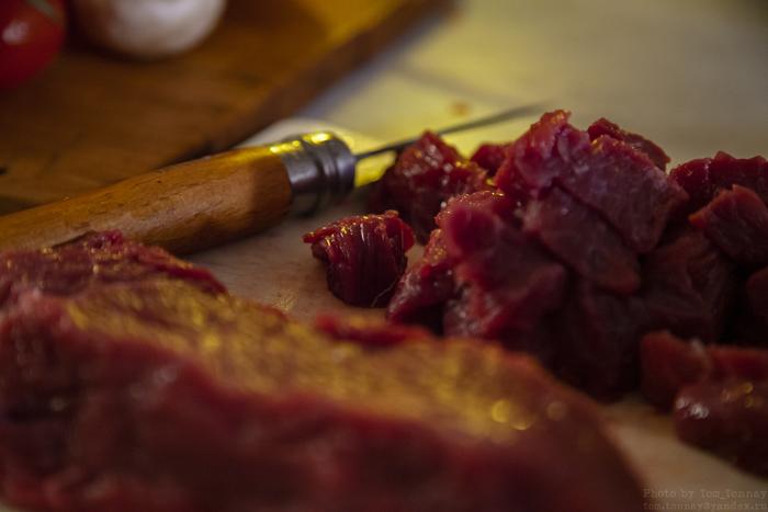 Rosa lax i folie i ugnen med potatis