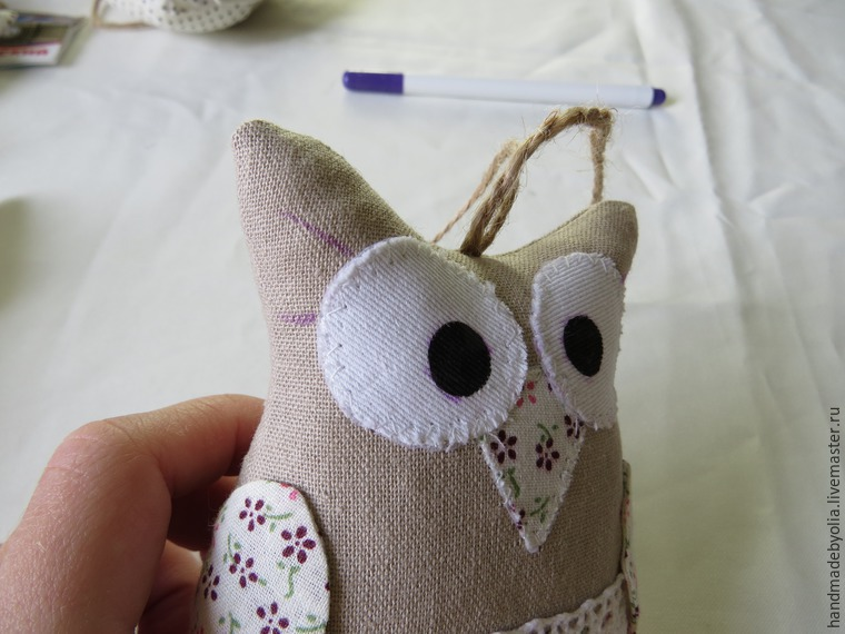 We sew a naughty owl on a branch, photo № 41
