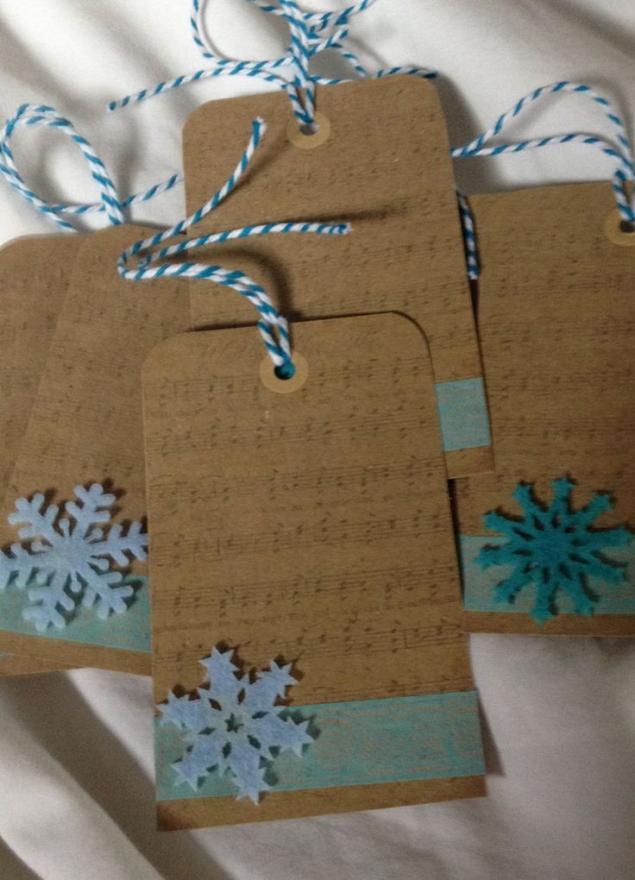最终的条形码用于新年礼物的设计,或标签的角色是什么,照片为10