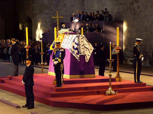 Тайная власть королевы Елизаветы II длиннопост, королева англии, Англия, факты