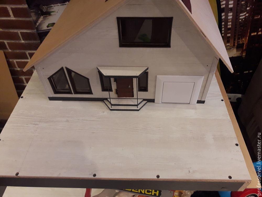 Құрметті шеберлер, мен үй үйінің макупасын өндіруде кішкентай MK ұсынғым келеді. Тұрғын үй картоннан жасалған және ол балконы бар екі қабатты үй, террас, қысқы бақ, екі жағынан гараж және шығарады. Мен жобаны үйде алдым: http://piterplan.ru/projects-fof-fof-fof-hous-hous-hourm-from-con/projects-projects-projects/3ffloors/4643-nadejda-123pp.html