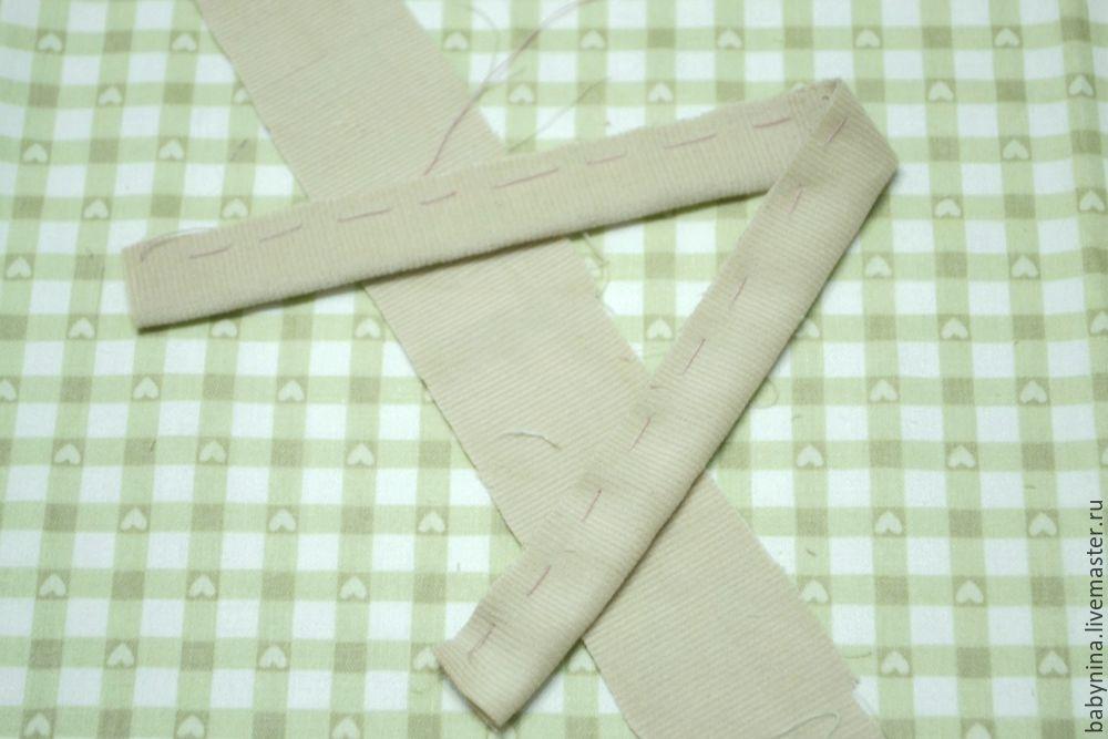 Cosemos un delantal limpio para una muñeca, foto No. 7