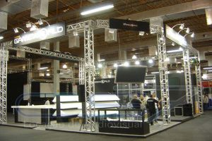 Box Truss e Monitores de TV para Feira