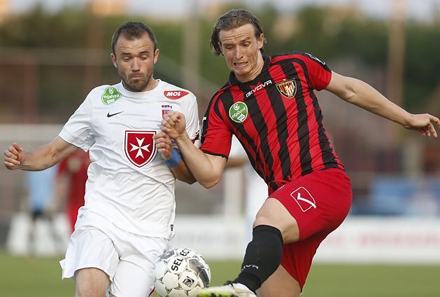 Inkább küzdős, mintsem látványos meccs volt: Hidi vs SándorGyuri. (via nso.hu)