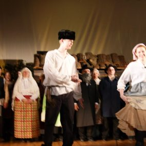 fiddler-on-the-roof-seton-catholic-central-high-school-theatre-performing-arts12