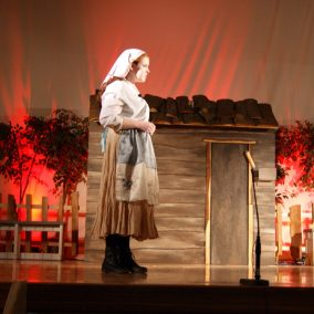 fiddler-on-the-roof-seton-catholic-central-high-school-theatre-performing-arts6