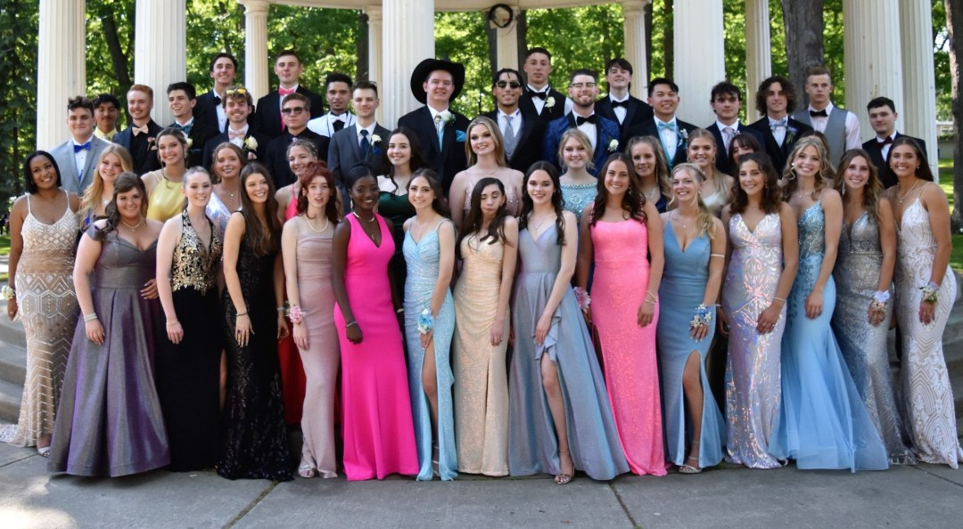 senior prom 2 - Saints on the Go