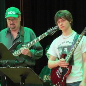 seton-catholic-central-high-school-instrumental-performing-arts-guitarist