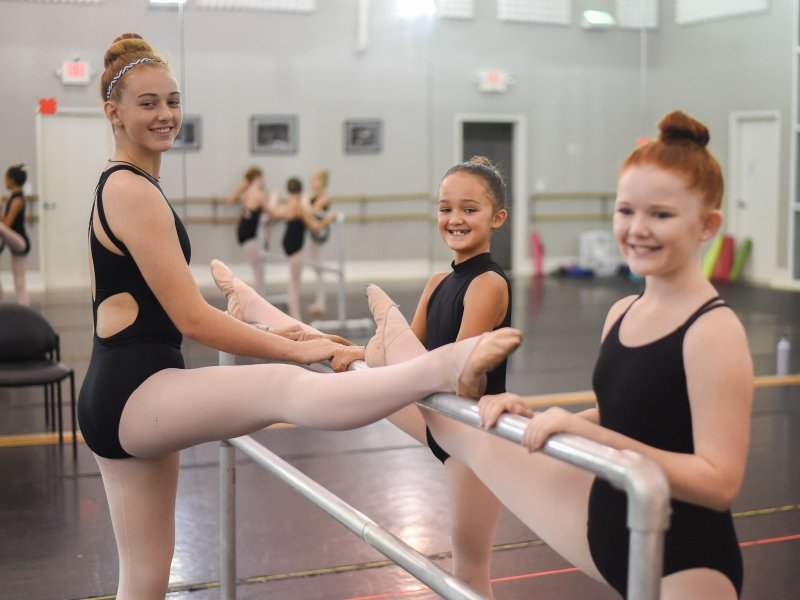 Happy dancers in Ballet Summer Classes at CSBI