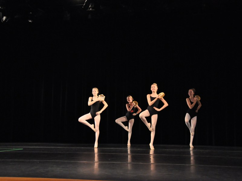 Dancers performing Esmerelda Variations