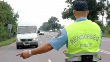 Alkotmánybíróság: Lehet fotózni a rendőröket
