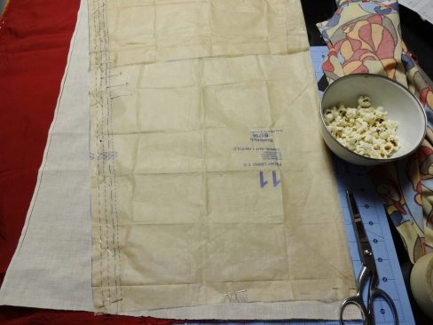 Cutting the lining fabric