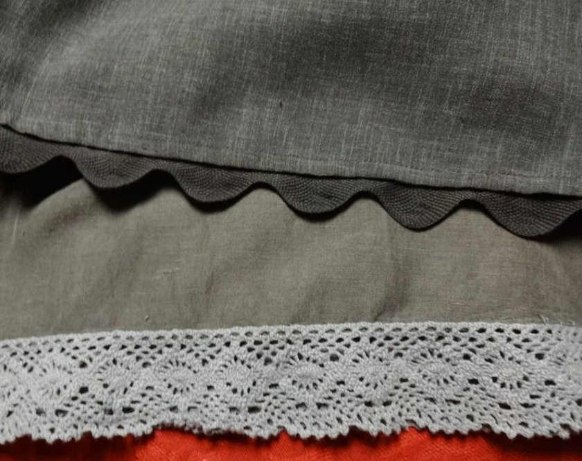 Rick rack and lace trim added to RTW skirts - csews.com