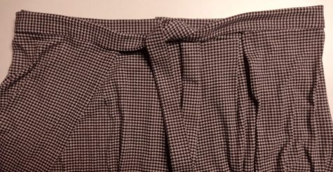 Vogue 9191 wrap pants - front tie, houndstooth jersey, V9191