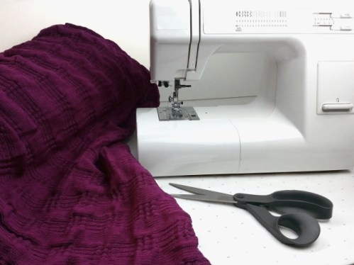 Cutting and sewing sweater knit fabric