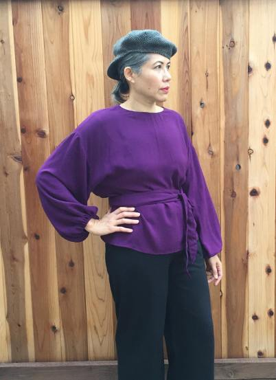 Array top in rayon with tie