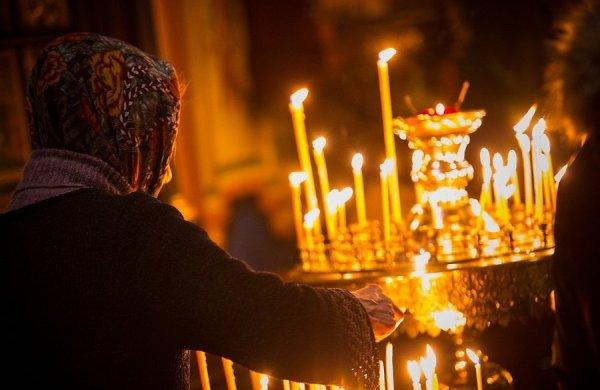 esimene-jumalateenistus-nevski-katedraalis-66072988