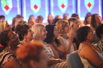 congregation-smiling-women-at-csldallas-meditation-spiritual-church-community-33