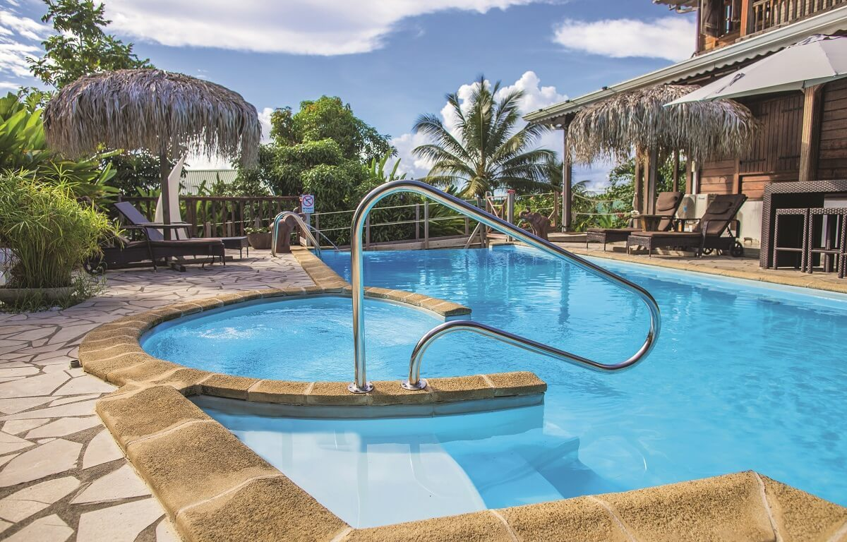 Piscine et terrasse - Eden Spa - Ste Luce Martinique