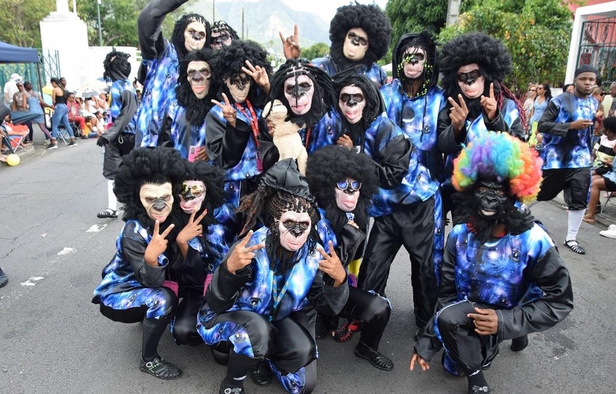 Membres du groupe de carnaval Mas'Moul Massif
