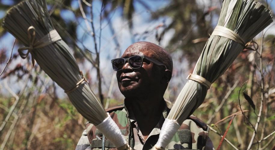 Mike Flessel - créateur de balais traditionnels - Guadeloupe