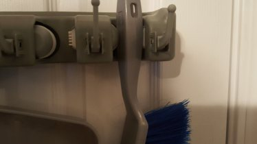 broom holder 7