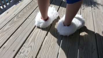 polar-bear-slippers-6