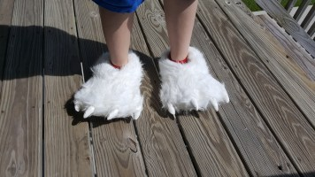 polar-bear-slippers-4