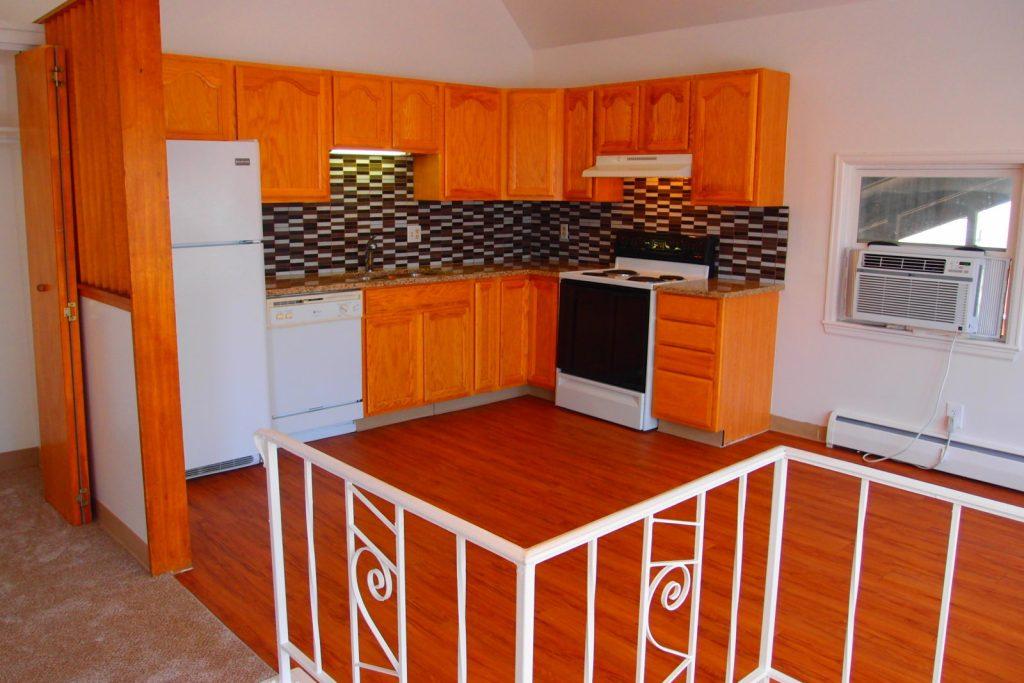 692 Inca Kitchen from Landing