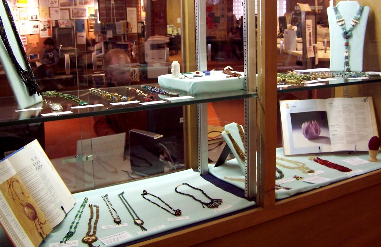 bead display