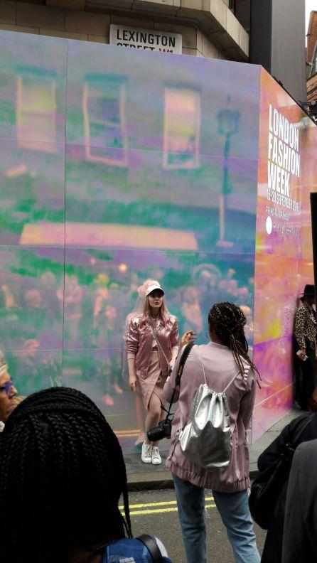 Nude colours, silk fabrics and fashionable