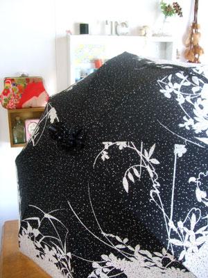 1枚の着物から2本の日傘をリメイクしました