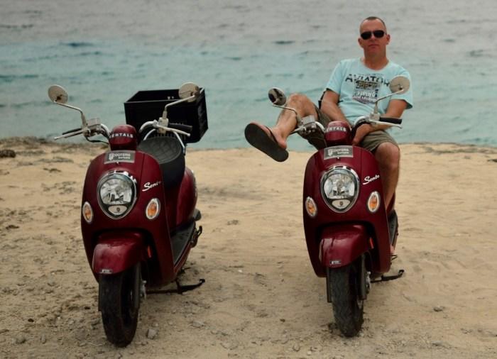 twee scooters