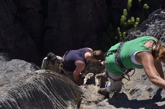 klimmen in Tsingy de Bemaraha
