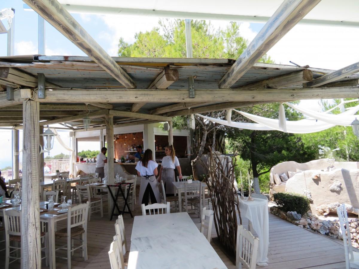 Taverna Cave Damianos