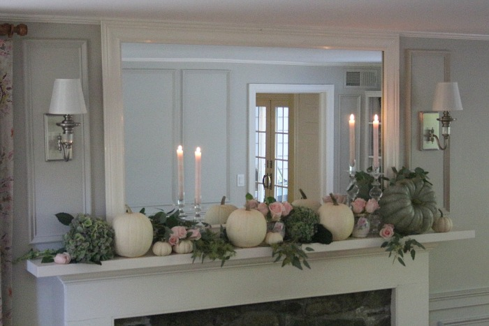 Gorgeous Fall Inspired Mantel