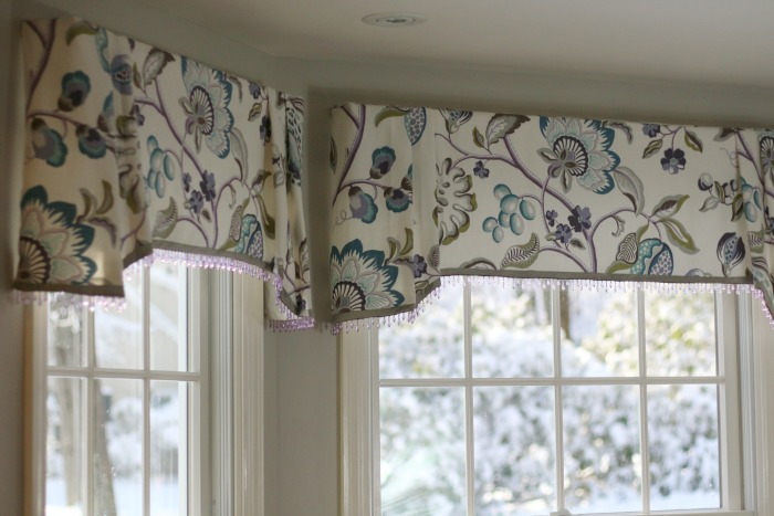 Window seat valances