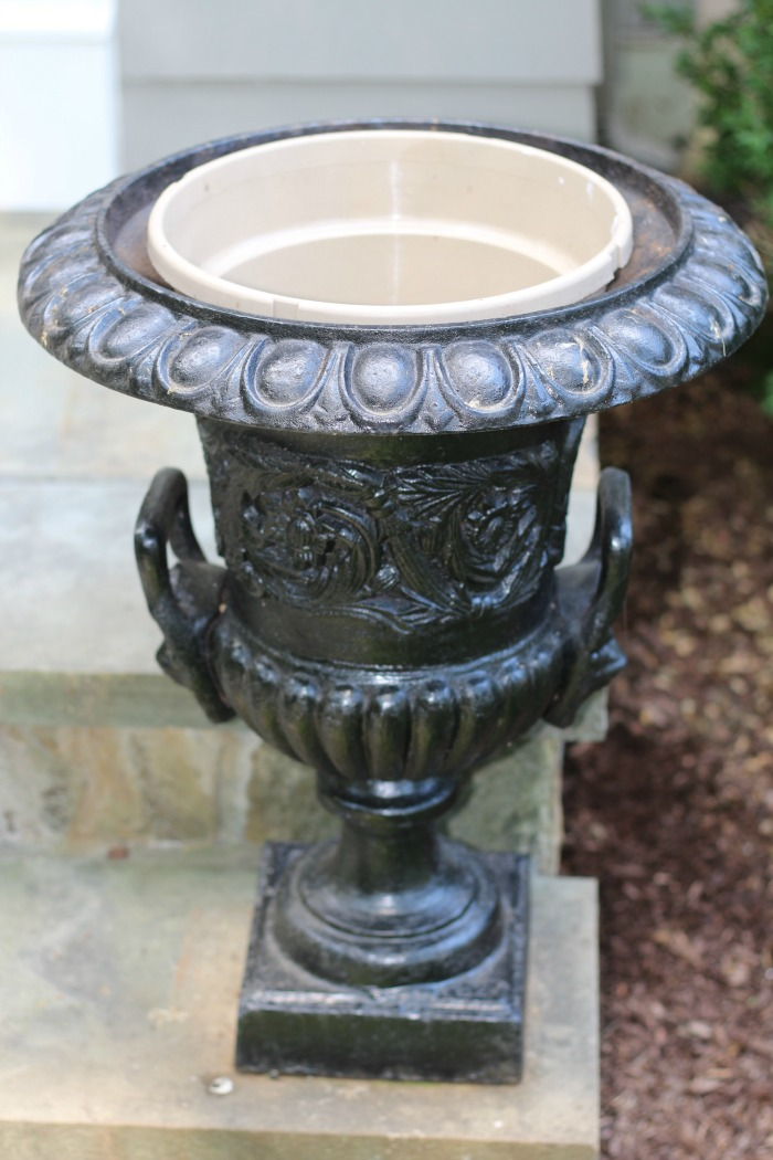 pot fits the urn