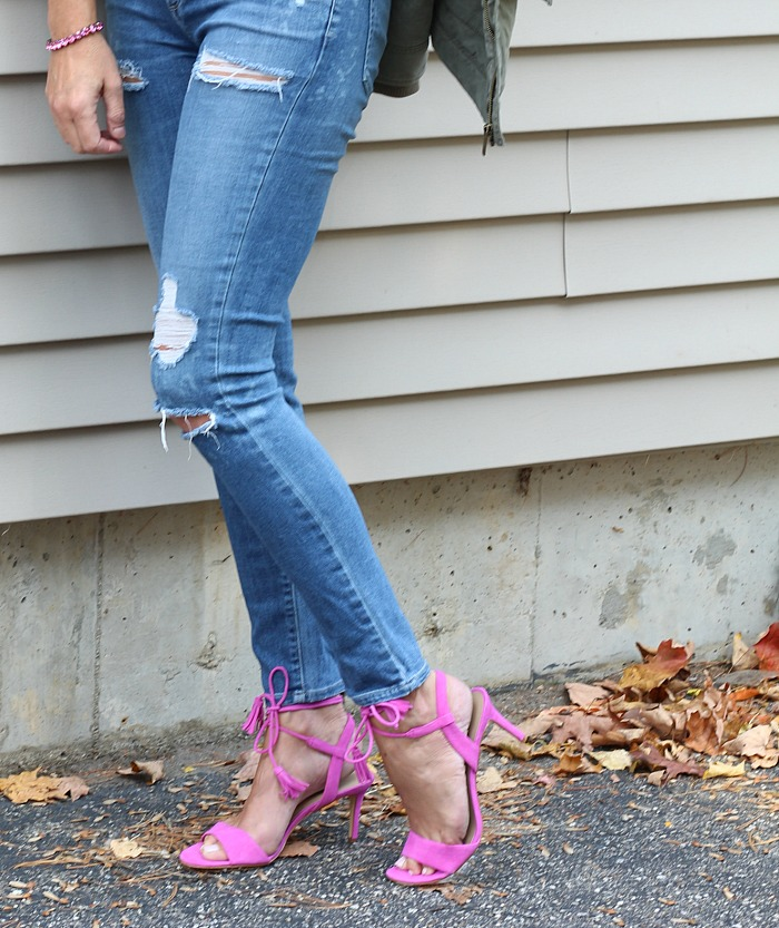 distressed-jeans-and-pink-shoes