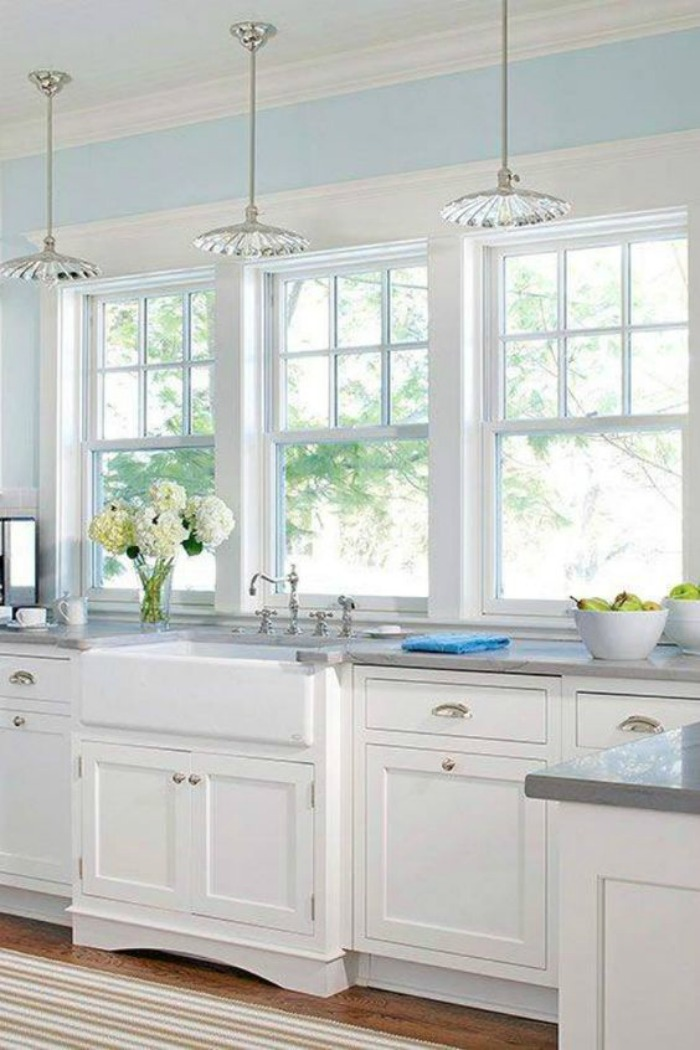 25 Gorgeous Kitchens With Farmhouse Sinks