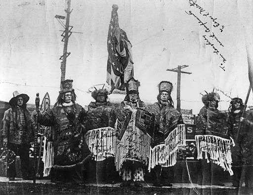 512px-Dedication_of_Chief_Seattle_statue,_1912