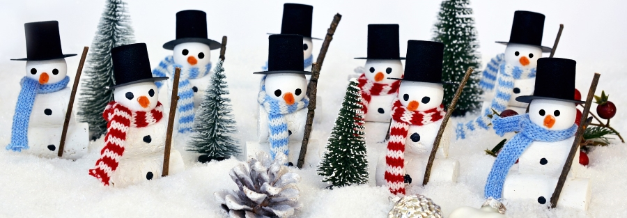 Snow Men with Scarves