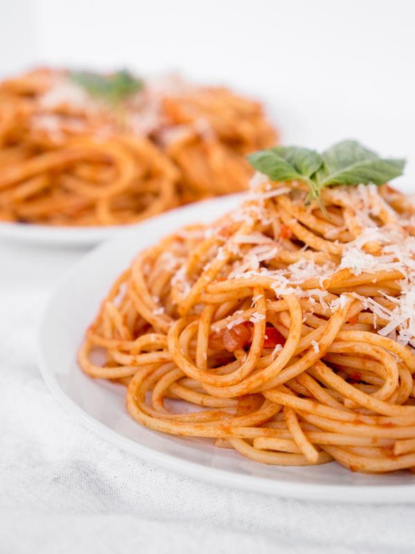 Easy Pasta Dish Pasta Al Pomodoro