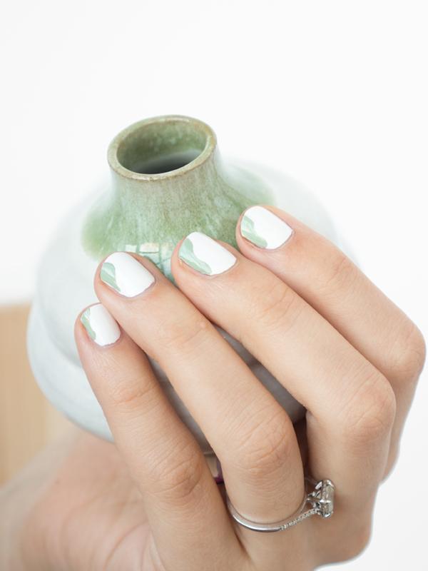 Minimalist Nail Art: The Wave
