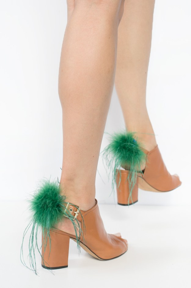 Dye Ostrich Feathers DIY Shoe Clips