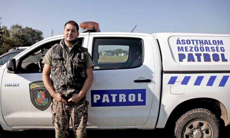 <p>Peter Barnabas, conductor de la Patrulla Rural de Ásotthalom.</p>