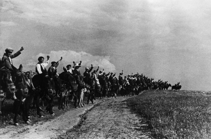 <p>Foto de David Seymour (Chim) tomada en la primavera de 1936, en Extremadura.</p>