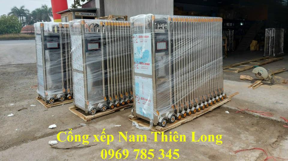 Lắp đặt cửa cổng xếp tại KCN Việt Hương